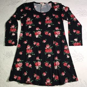 Dresses & Skirts - Pretty and soft pink and red rose dress size large